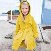 Erityisen pehmeä ja kevyt kylpytakki lapsille.