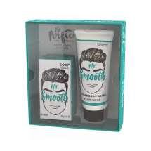 Herkullinen lahjasetti herra SMOOTH:ille. Lahjapaketissa on hiusten ja vartalonpesun suihkusaippua sekä ylellinen saippua, joka tuoksuu piristävästi mustapippurille ja inkiväärille. Saippuat tekevät ihosta pehmeän ja raikkaan tuoksuvan. 100ml + 150 g.  Superlahja hänelle, jolla on kaikki ja joka haluaa tuoksua hyvältä! <br/><br/>