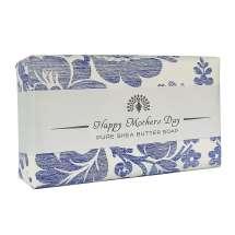 Anna kaunis saippua The English Soap Company:n viestillä pienenä hienona huomiona erityistilaisuudessa. Kääritty kauniiseen paperiin, jossa on vintage-muotoilu ja mukava tervehdys.<br/><br/>Ylellisen tuoksuva sinikellojen vilkkaalla, tuoreella tuoksulla. Tämä saippua on yksinkertaisesti upea - ja todellinen herkku ihollesi.<br/><br/>